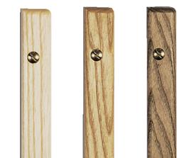 Menükarte mit Schiene aus Holz und Metall